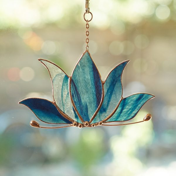 stained-glass-lotus-suncatcher-473-2000px