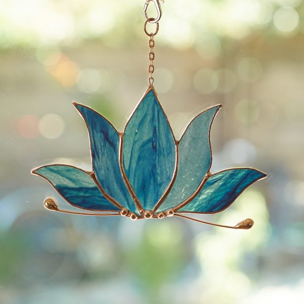 stained-glass-lotus-suncatcher-474-2000px