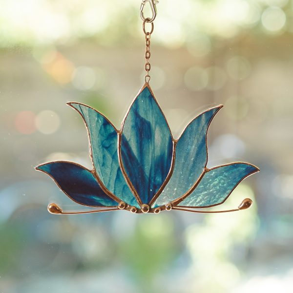 stained-glass-lotus-suncatcher-475-2000px