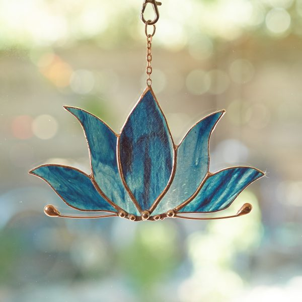 stained-glass-lotus-suncatcher-472-2000px
