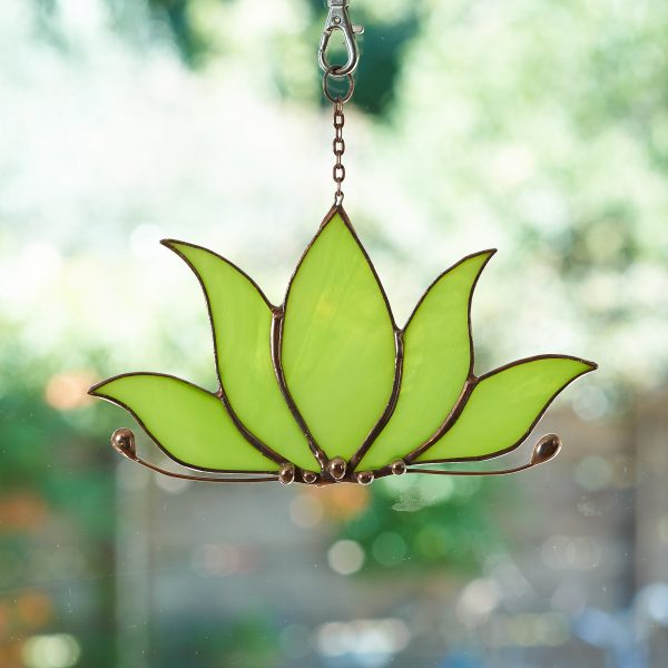 stained-glass-lotus-suncatcher-583-2000px